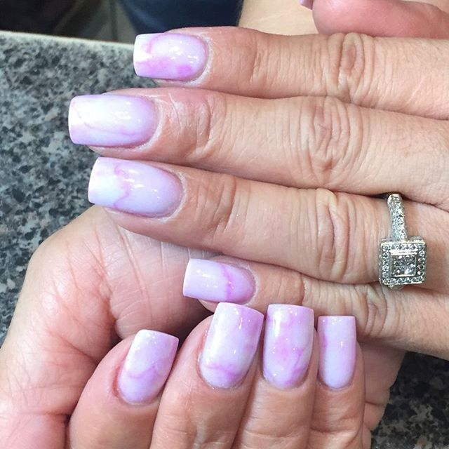 Love this Marble Set using Haute Magenta Prizma and Whitest White Powder by Maurica Daniels in Dallas, TX 💕✨💕