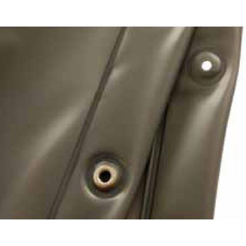PANTALLA RETROPROYECCIÓN 400 GR/M2; 2,40 M ANCHO GRIS. PANTALLA PARA RETROPROYECCIÓN 400 gr/m2; 2,40 m ancho.    Color Gris (Rollos de 62 Mtl y de 100 Mtl).    SOLICITAR PRESUPUESTO PARA CONFECCION A MEDIDA.    Cuando fabricamos telones confeccionados normalmente se entregan con:         Ojales en la parte superior y cintas para atar  Vaina en la parte de abajo, para meter un peso (normalmente un tubo) o directamente colocamos un cordón de plomo para que pese.