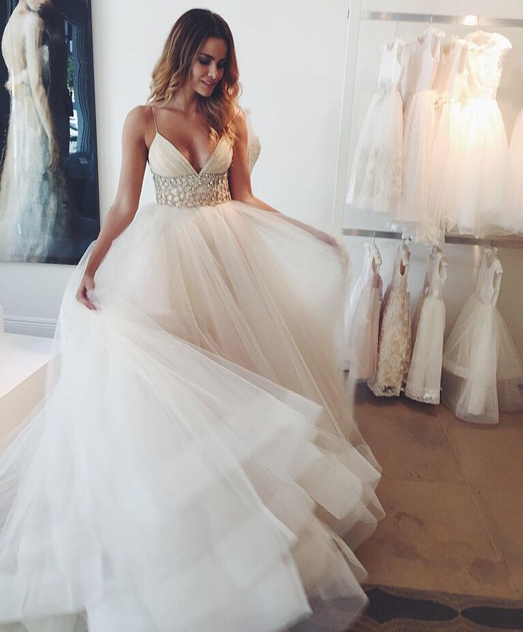 This is my all time fave dress!! Lazaro 16!