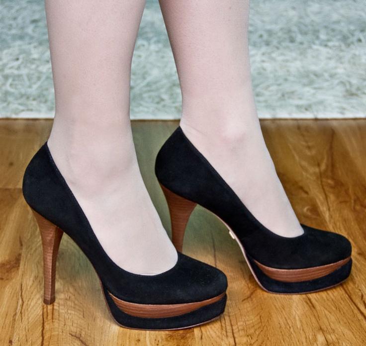 Дизайнерская обувь Pour La Victoire, Steve Madden, Kelsi Dagger и Report Signature из интернет-магазина Shoemetro