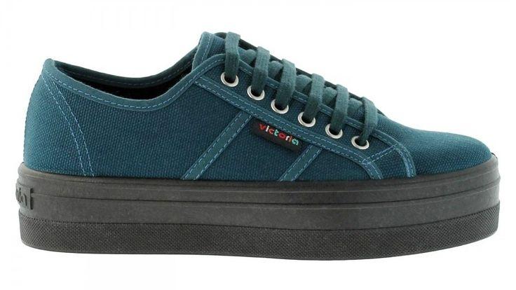 Derby canvas with platform heel, oil || Tennis compensées en toile, pétrole. Victoria Shoes || Chaussures Victoria.
