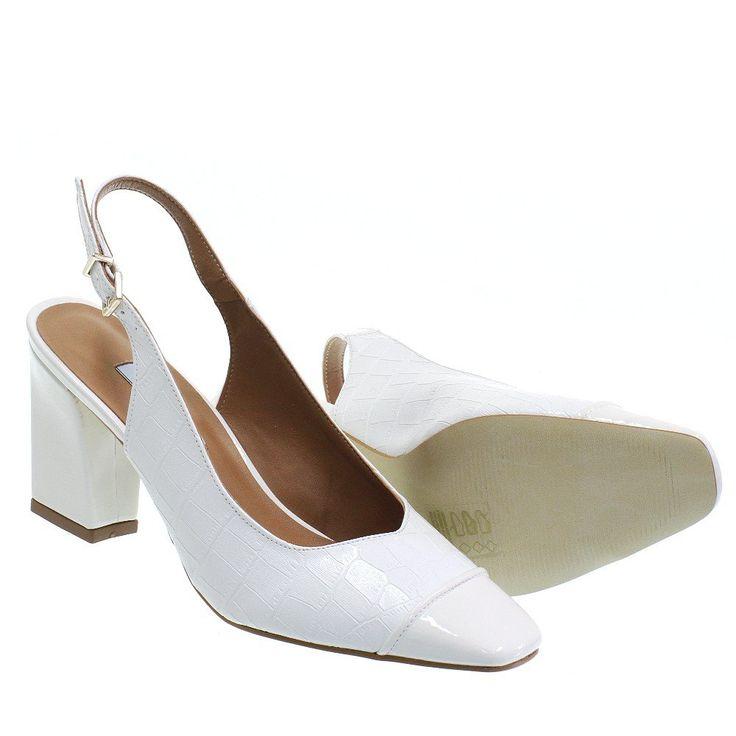 Sapato Chanel Nude com Pérolas Tam. 39 - Peguei Bode