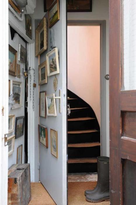 Secret stair passageway behind wall