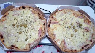 Uma pizza portuguesa muito bem feita e saborosa, com sabor em alta em vários ingredientes, e uma outra mais simples, com poucos ingredientes bem focada na mussarela, por um preço bem generoso, é uma promoção bem recomendada.  #Pizzas #Grandes #Pizzaiolo #peito #peru #mussarela #Portuguesa #presunto #cebola #mussarela #ovo #jantar #comida #massa #molho #tomate #tempero #orégano #azeitona #SaborDoMomento #GuiasLocais #LocalGuides #XinGourmet