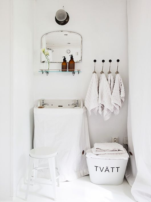 vintage-inspired white bath