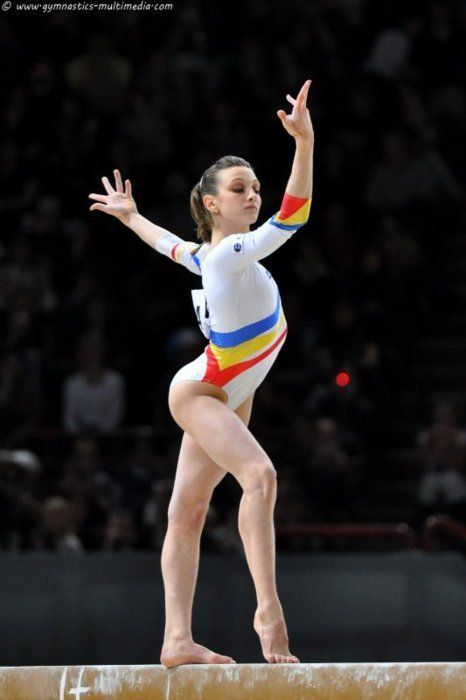 i love the Romanian gymnasts style
