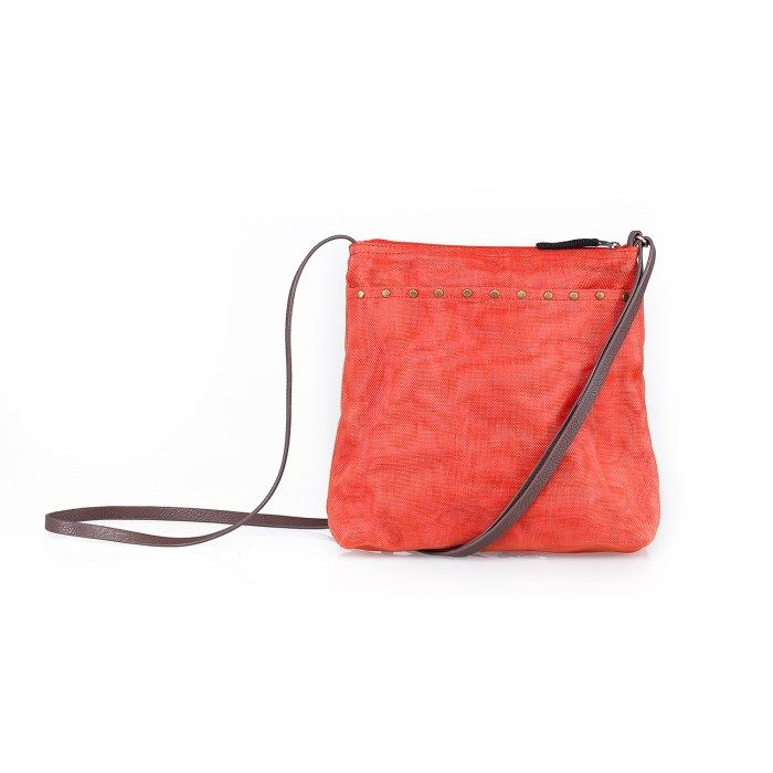 Style with a conscience. Storage - Ethical bag. Smateria brand available online in Canada.
