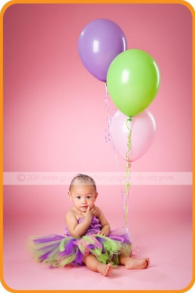 Sweet one year old: Sweet, Photo Ideas, 1St Birthday Photos, Balloon Ideas, 1 Years, First Birthday, Old Photo, 1St Birthdays, Photo Session