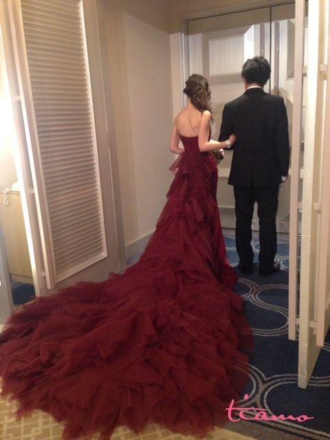 大人かわいいマーメイドカラードレス♡3スタイル | 大人可愛いブライダルヘアメイク『tiamo』の結婚カタログ