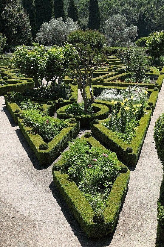 Gardens (Casa de Mateus, Portugal)