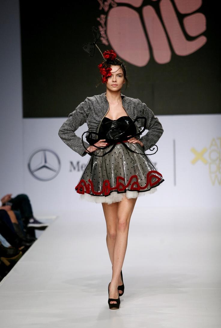 Maria Tagalou catwalk