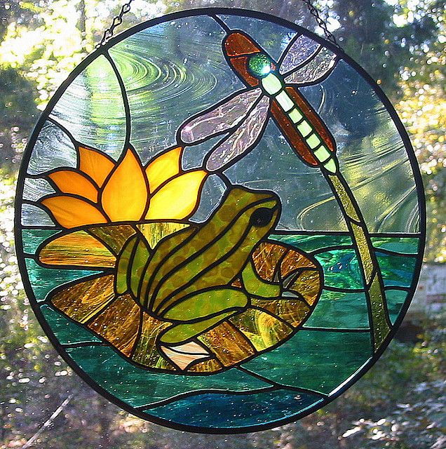 stained glass pattern dragonfly frog | Frog and Dragonfly Round Stained Glass Suncatcher | Flickr - Photo ...