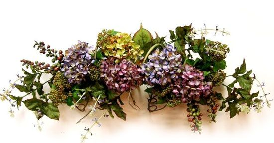 How to make Dried Floral Swags - by Jessica Christman for Factory Direct - LOVE the dried hydrangeas and berries here! #Floral #DIY #Crafts tå√