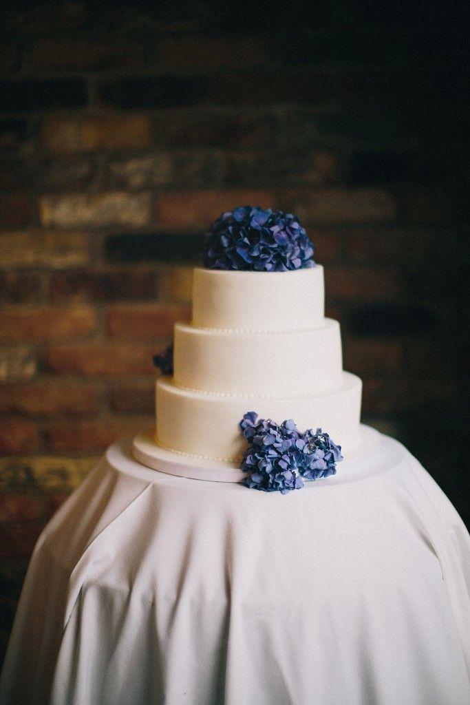 nicholau-nicholas-lau-interracial-wedding-three-tier-white-wedding-cake-purple-hydragea-purple