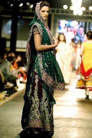 cedeac9f72 Dark green bridal dress is the most demanded wedding dress. The dark green  lehnga style bridal dress include the he… | Enwrap - Ladies Fashion  Clothing ...