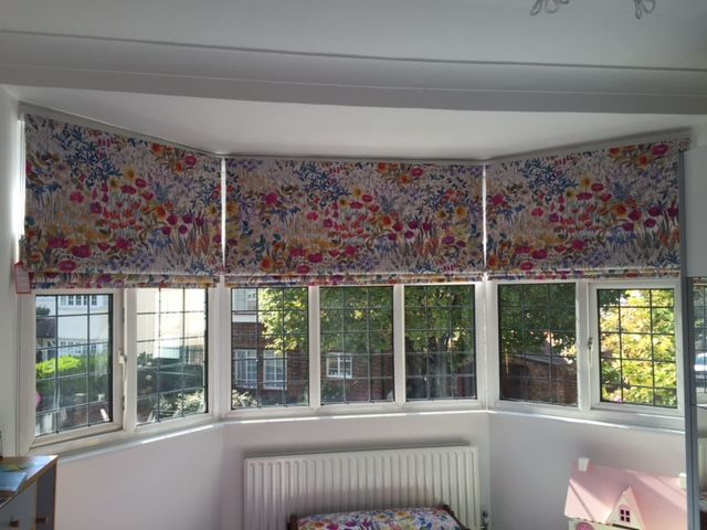 Beautiful Roman Blinds For Master Bedroom Liberty Floral Clay Viole In Sunrise Fabric Blind Are Made By Zanda Russel Fabric Blinds Bali Blinds House Blinds