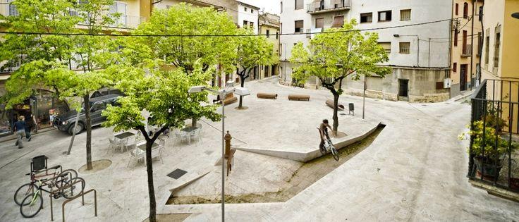 Remodelación del casco antiguo de Banyoles, España.