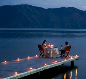 romantic-dates-a-dinner-to-remember Finishing with a delightful skinny dip :)