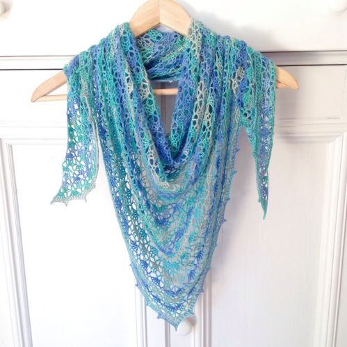 The Spring Shawl in turquoise and blue, using Bamboo Batik by Alize. Pattern: http://missneriss.com/2014/03/20/spring-scarf-pattern/