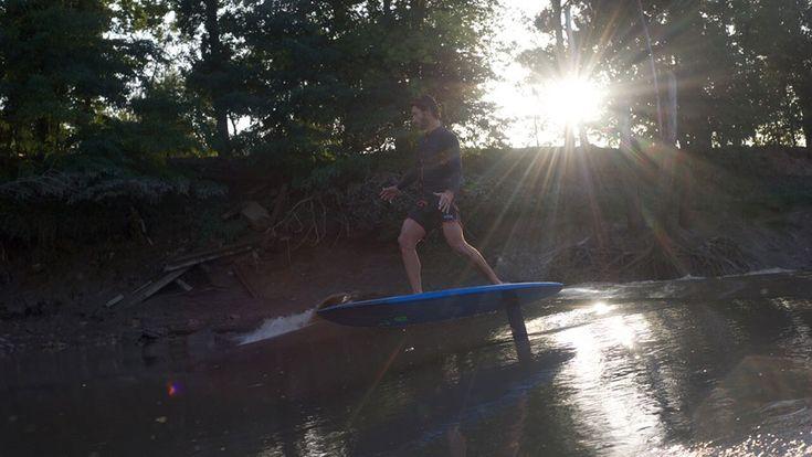 C'est une première mondiale, un mascaret en France a enfin été surfé en surf foil et par Ludovic Dulou, le rider de chez Oxbow