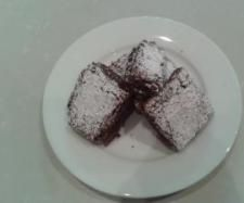 Thermomix brownies as recommended by Dawn Smit( she says: This recipe is amazing, but I make it gluten free by using doves farm gluten free flour blend 120g and 30g ground almonds instead of 150g flour, only cook for 25 mins, squidgey yummy heaven!!!)