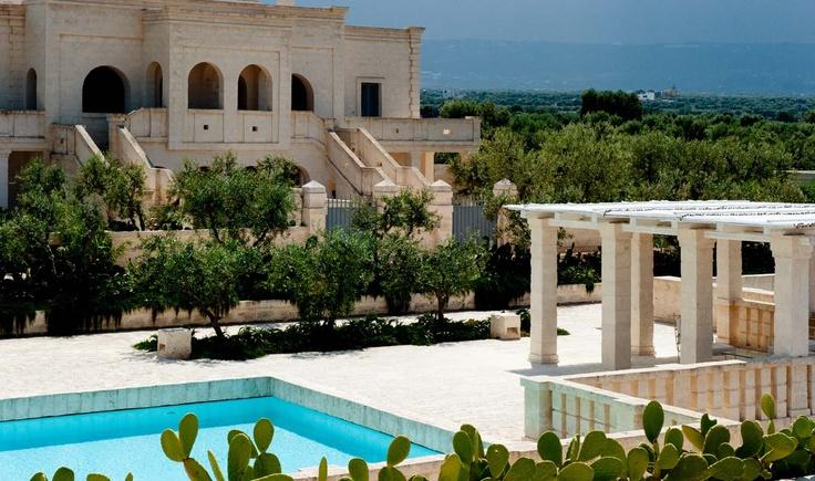 need to go there!!! borgo egnazia!: Italian Villas, Hotels Design, Borgo Egnazia, Beaches Club, Hotels Ideas, Coolest Hotels, Puglia Italy, Spa Resorts, Egnazia Resorts