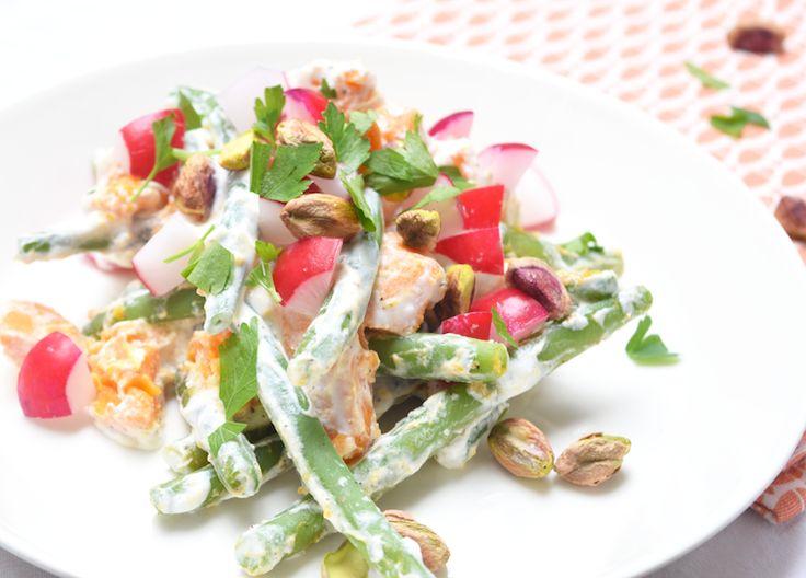 Sinds Mathis er is ben ik de koningin van de supersnelle (lunch)salades, al zeg ik het zelf. Het blijft namelijk een uitdaging om iets lekkers te maken en dat dan liefst ook nog te fotograferen en uit