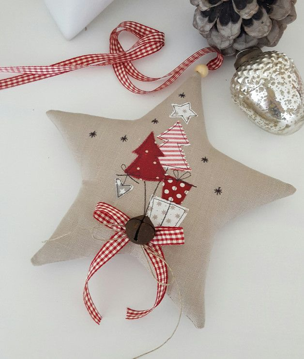 *Weihnachtsstern* mit süssen Applikationen, Schleife und dickem Glöckchen für deine Weihnachtsdeko. Aufhängeband: Vichyband Größe ca. 20 x 20 cm Copyright!