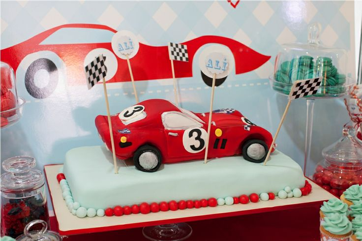 The red car cake