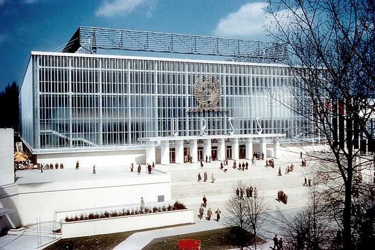 Urss pavilion expo 58 universal worldfair of brussels for Architecture urss