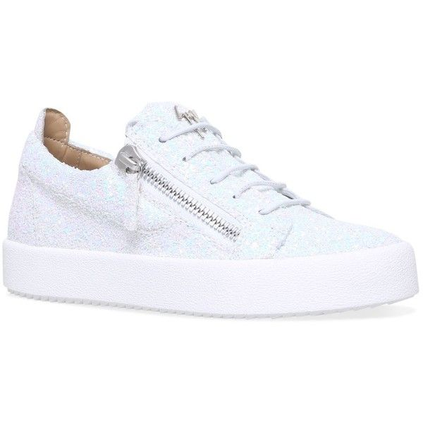 Giuseppe Zanotti Glitter Cheryl Low-Top Sneakers (2,180 PEN) ❤ liked on Polyvore featuring shoes, sneakers, glitter shoes, giuseppe zanotti trainers, urban shoes, sparkly sneakers and glitter sneakers