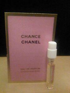 """voor deelnemers aan mijn ondernemersdag """"Durven Doen, meer omzet van je droomklanten""""  een mini verpakking van Chanel Chance Eau De Parfum.  Pak je kans, ga Durven Doen! Met dit geurtje op fijne stappen zetten."""
