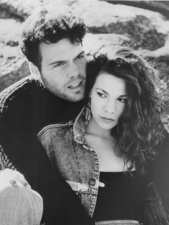 Ok.. so he's terrifying in almost every other movie he's ever been in, but I can't be the only person who thought Vincent D'Onofrio was totally adorable in Mystic Pizza
