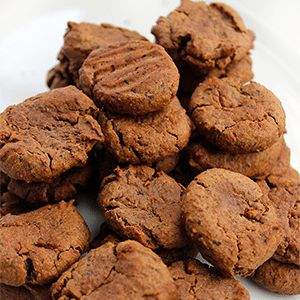 Grain-free doggie biscuits made with four ingredients. If your dog has itchy skin these treats are a great alternative to commercially made dog treats.