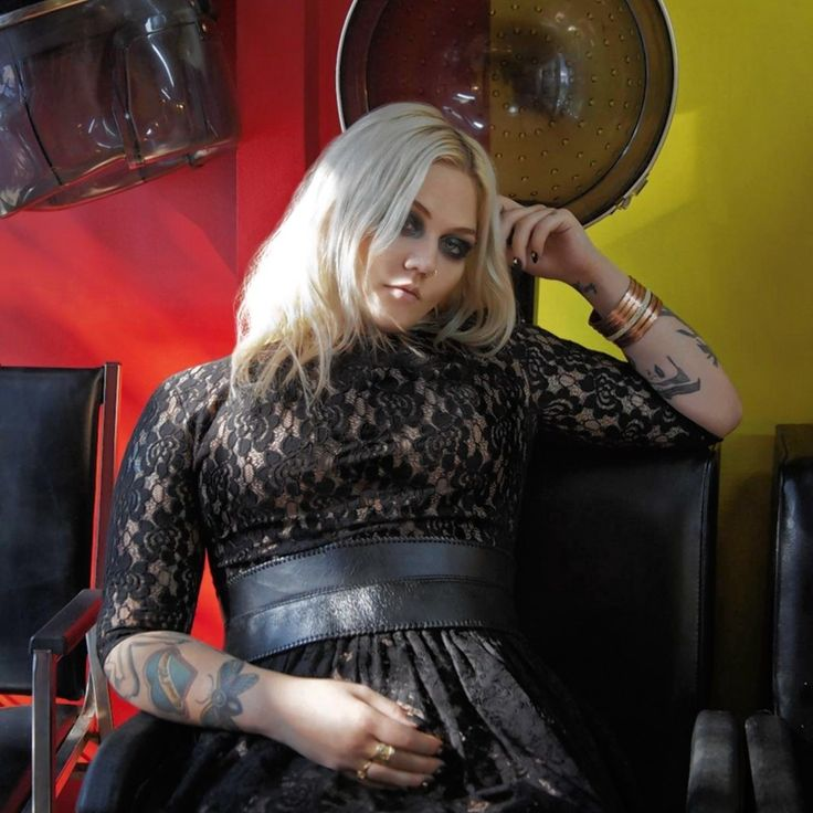 My new favorite badass singer - Rocker, Elle King