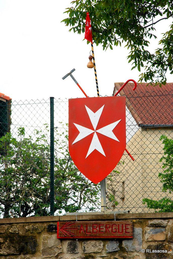 Albergue de peregrinos de la Orden de Malta en Cizur Menor, #Navarra #CaminodeSantiago