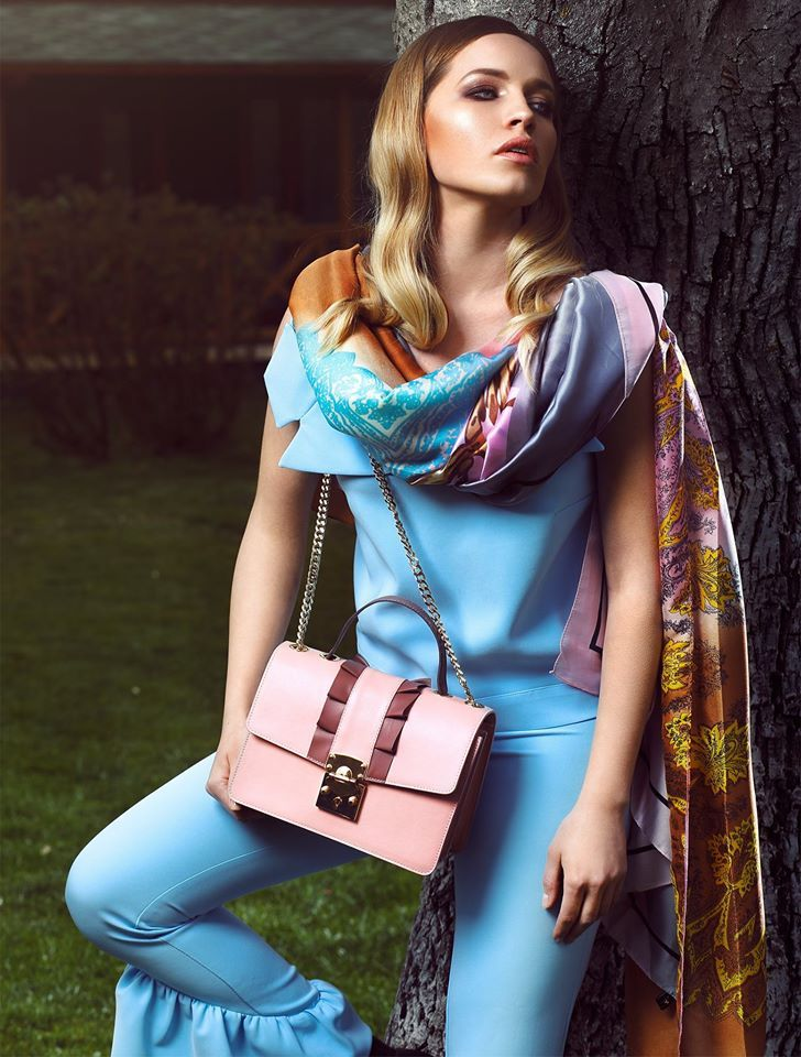 Wild Inga's new collection of summer accessories was created especially to highlight the beauty of a feminine modern look that combines the graceful colors and textures with simple yet refined lines. Besides the luxury leather bags you can choose from a wide variety of silky scarves with floral or abstract prints.