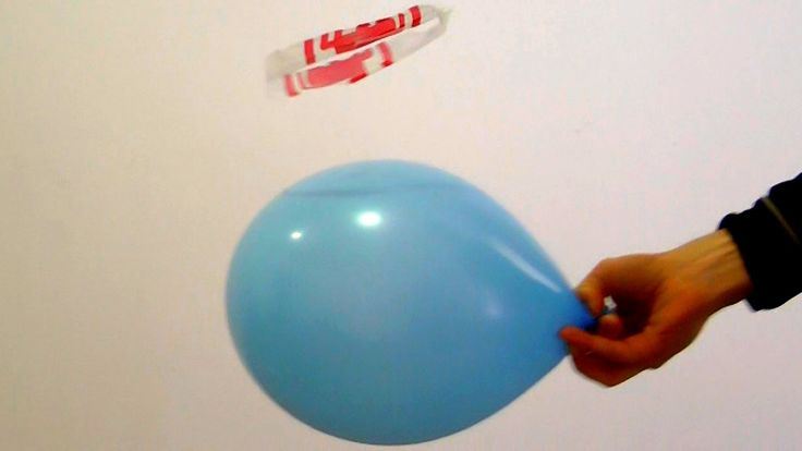 AWESOME SCIENCE EXPERIMENT - Static Load Flyer - Balloon and Electricity