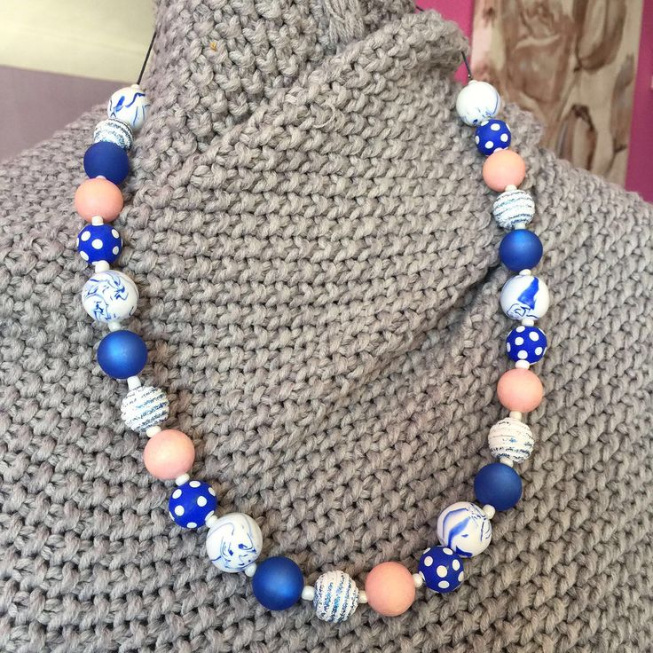 Een persoonlijke favoriet uit mijn Etsy shop https://www.etsy.com/nl/listing/520861259/polymer-clay-beads-wooden-beads-necklace