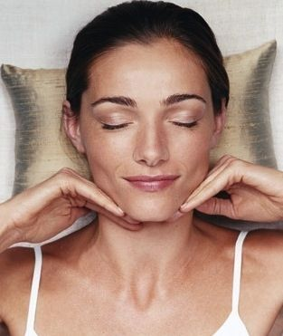 Non-Invasive Facelifts Acquired With Face Aerobics Workouts