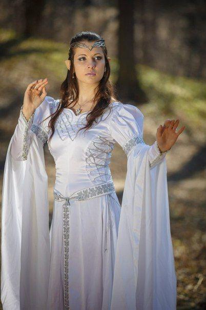 Свадебное платье средневековое