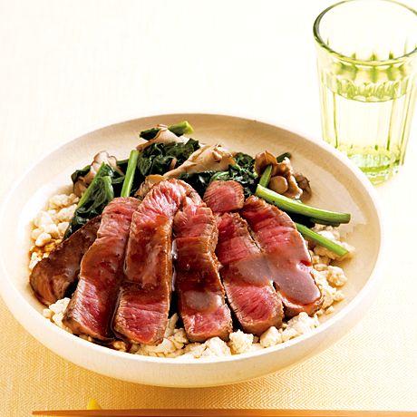 いり豆腐のステーキ丼 | 重信初江さんのステーキの料理レシピ | プロの簡単料理レシピはレタスクラブニュース