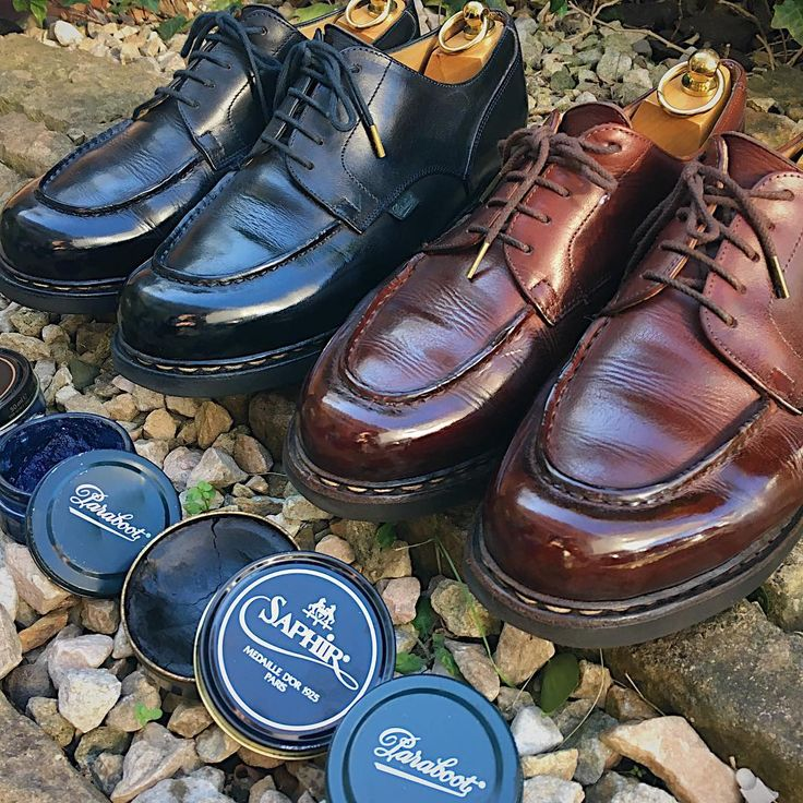 "Reposting @take.it.easy.7: ... ""おはようございます。 今日も一日、宜しくお願い致します。 ・ #今日の靴 #朝の靴磨き #靴磨き #靴磨き倶楽部 #靴磨きくらぶ #サフィール #パラブーツ #パラブーツシャンボード ・ #flatlay #outfitgrid #mensstyle #styleforum #mystandard #madeinfrance #saphir #shoes #shoeshine #mirrorshine #shoeshibar #mensshoes #shoeporn #shoegazing #shoesnob #chambord #parabootchambord #paraboot_france #paraboot"""