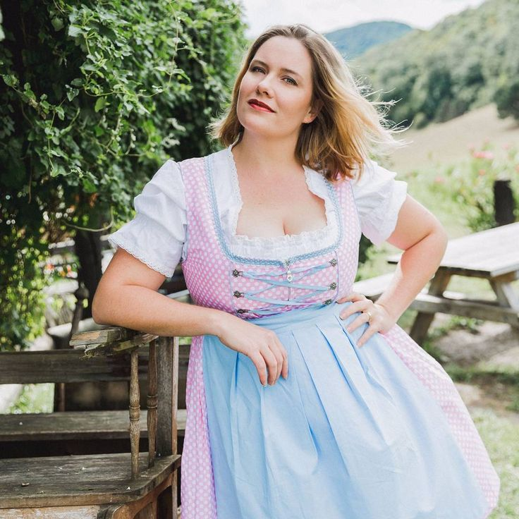"""124 Likes, 8 Comments - photo bianca + curvy team (@curvyfashionphotos) on Instagram: """"Get your #plussizedirndl from @edelnice_trachtenmode at the @my_pepita #popupstore in #munich 💓"""""""