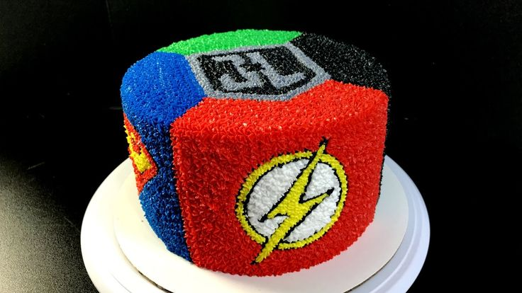Justice League Buttercream Cake