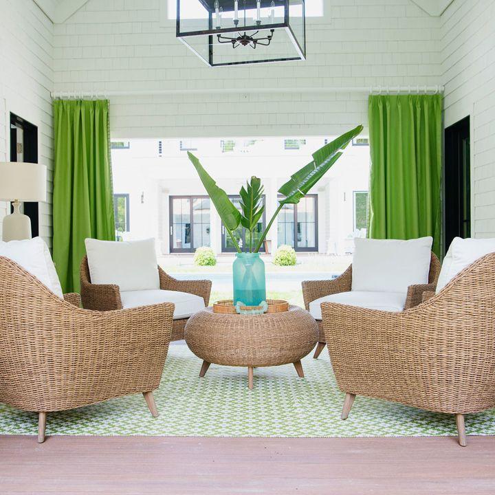 outdoor living area   2016 Coastal Living Magazine Hamptons Showhouse