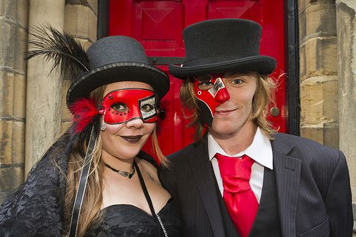 goth dating service Gothic dating service is the best site for gothic romance our site specializes in matching gothic singles this gothic dating site is what you have been waiting for.