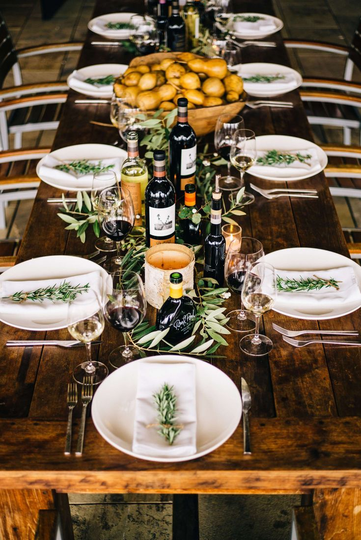 Wine Country Inspired Thanksgiving Table With Images Dinner Table Setting Dinner Table Decor Thanksgiving Table