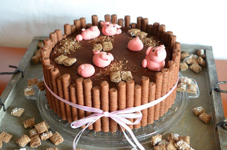 Heute gibt es hier leider kein Rezept, sondern nur Fotos der Torte, die ich zu Ostern gebacken hatte. Denn leider war das Ergebnis...