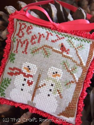 The Craft Room- cross stitch mini pillow with 2 snowmen - Snow in Love LHN
